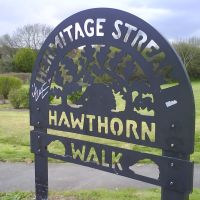 Sign for hawthorn walk, Хавант