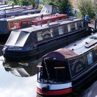 Barges at Aspley Basin, Хаддерсфилд