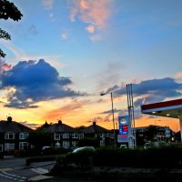 Sunset at Esso/Tesco on Macclesfield Road, Хазел-Гров