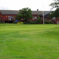 The 18th green with the Clubhouse behind, Hazel Grove Golf Club http://www.hazelgrovegolfclub.com, Хазел-Гров