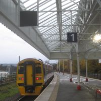The Manchester train leaves Halifax station., Халифакс