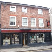 Old Cross Tavern, Hertford - home of the Old Cross Brewery., Хертфорд