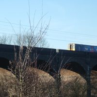 Train on Viaduct, Hertford, Хертфорд