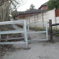 Footpath Shortcut (W), Хиндли