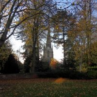 Autumn through the trees to the church at Hinckley, Хинкли