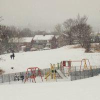 Snowy playground, Charltonbrook, Chapeltown/High Green, Sheffield S35, Чапелтаун
