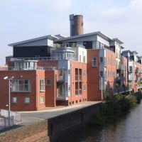 Smart Canal Side Apartments, Chester., Честер