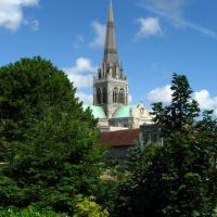Chichester Cathedral from the Bishops gardens, Чичестер