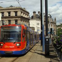 Supertram on Commercial Street, Sheffield S1, Шеффилд
