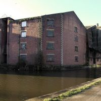 Former Leeds and Liverpool Canal Company warehouse near Victoria Street bridge, Shipley (1928), Шипли
