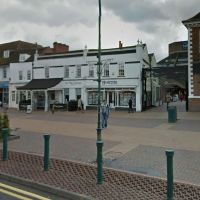 Hamptons International Lettings property management in Epsom on 145 High Street, Эпсом