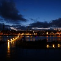 The Peace Bridge Derry Northern Ireland, Лондондерри