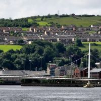 Northern Ireland. Derry~Londonderry. The River Foyle and the Peace Bridge., Лондондерри