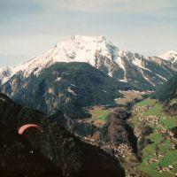 Me Paragliding above Mayrhofen Austria, Майрхофен