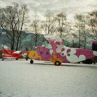 "Springerflugzeuge ""PINK"" SHORT SKYVAN S.C.7 Serie 1 + PILATUS PORTER P-C 6. Sylvester-Boogie 1992 12 bis 1993 01, Трибен"
