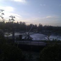 Traun am anderen Ufer (mit offener Schleuse!), Велс