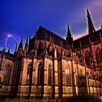 Linz - Neuer Dom mit Effektbeleuchtung - DRI, Линц