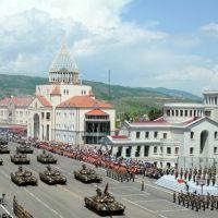 Военный парад в Степанакерте (в честь 20-летнего юбилея освобождения Шуши и формирования Армии обороны НКР, а также 67-ой годовщины победы в Великой Отечественной войне), 9 мая 2012 г., Степанокерт