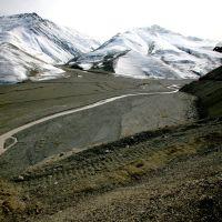 La route vers Xinaliq en avril, Геокчай