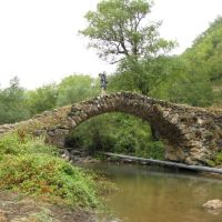 Mediveal bridge near Mets Tagher village, Кази-Магомед