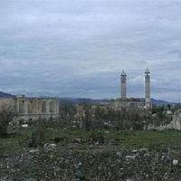 старинная персидская мечеть в городе Акна /быв. Агдам/ разрушенном азерскими варварами в ходе войны в 1993 году, НКР /armenian town Akna /former Agdam/ ruined by azerbaijanian barbarians during war, Republic of Mountainous Karabagh, Агдам