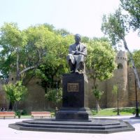 The first monument to a literary figure - Baku. Was built in 1922 to commemorate Sabir (1862-1911), Балаханы
