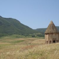 Nagorno-Karabakh Republic - Close to Khachen reservoir  Нагорно-Карабахская республика - Неподалёку от хаченского водохранилища, Банк
