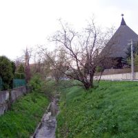 Lebuki patak, a református templommal, Tervező: Szabó István, Дунауйварош