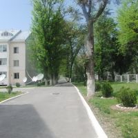 Справа детский сад, Куляб