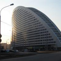 House, Лениградский