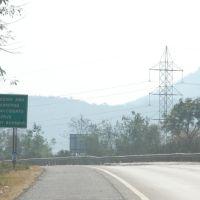 DPAK MALHOTRA, Lonely Road I Luv Most, Durtagati Marg NH4 - Mumbai Pune, Maharashtra, Bharat, Ашт