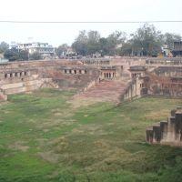 Ghats, Mathura, Дарваза