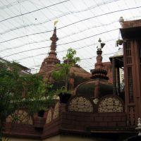 Dauji Bade Madan Mohanjis Temple, Bangali Ghat, Mathura, Дарваза