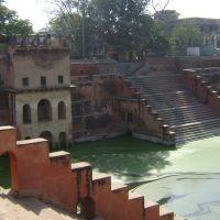Potra kund Mathura Uttar Pradesh India., Дарваза