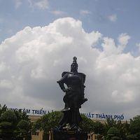 Tượng nữ tướng Lê Chân, Хайфон