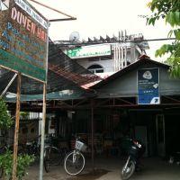 Tiệm chụp hình Duyên Hải, Пхан-Тхит