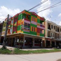 Thị trấn Duyên Hải, Пхан-Тхит