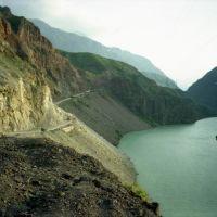 Kurgyzstan, Naryn river, Алтынкуль