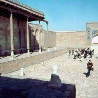 1985.04. - Buhara, Ark castle-atrium from 8-10th-century, Бухара