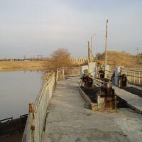 Шлюз у Аму-Бухарского канала, Газли