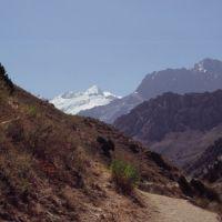 Col de Guitan, vue sur le mont Chimtarga (5489 m), Заамин