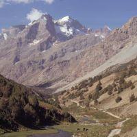 Sortie de la vallée de Chapdara, vue sur le pic dAdamtach (4700 m), Заамин
