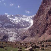 Au fond de la vallée dImat : le glacier du Bolchaïa Ganza, Заамин