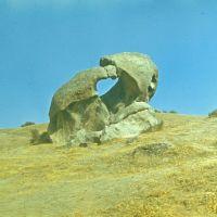 """""""Two bears"""" stone, Гузар"""