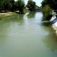 канал перед распределительными шлюзами, Бекабад