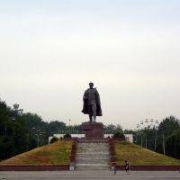 """Памятник """"Железному генералу"""", Келес"""