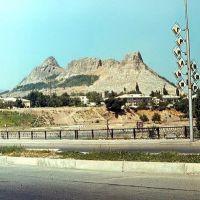 холм Тахта-и-Сулейман, Кува