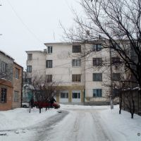 единственное жилое многоэтажное здание уцелевшее после войны, Артемовск