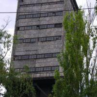 Димитровский небоскреб, Димитров