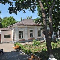 Здание станции, Жданов
